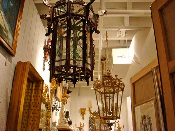 This ... - John Rosselli Antiques – Chandeliers, Lanterns & Sconces, Oh My!